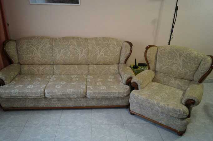 Imagen Sofá y sillón de salón.