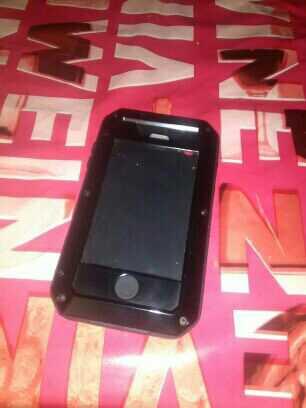 Imagen producto Funda metálica de iphone 4 y 4s nuevo 2