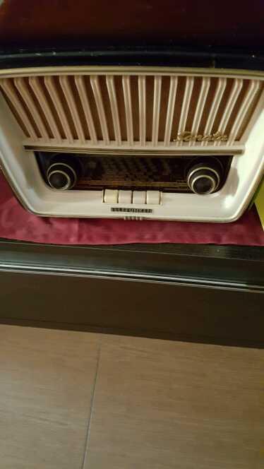 Imagen producto Radio antigua  4