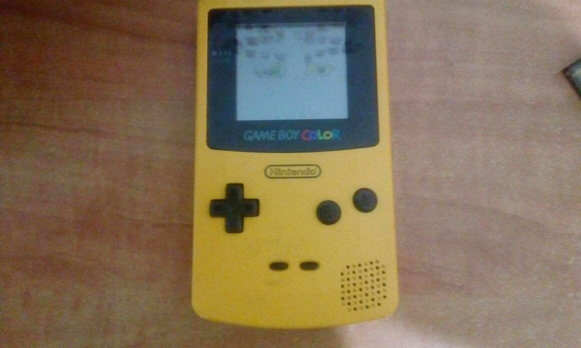 Imagen consola nintendo game boy color