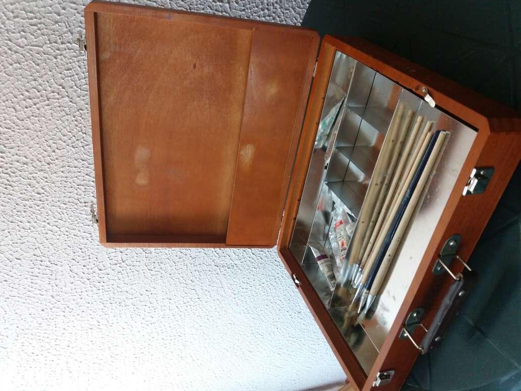 Imagen caja de pinturas oleo