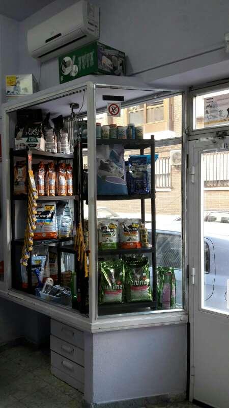 Imagen producto Tienda de alimentación y accesorios para mascotas.  3
