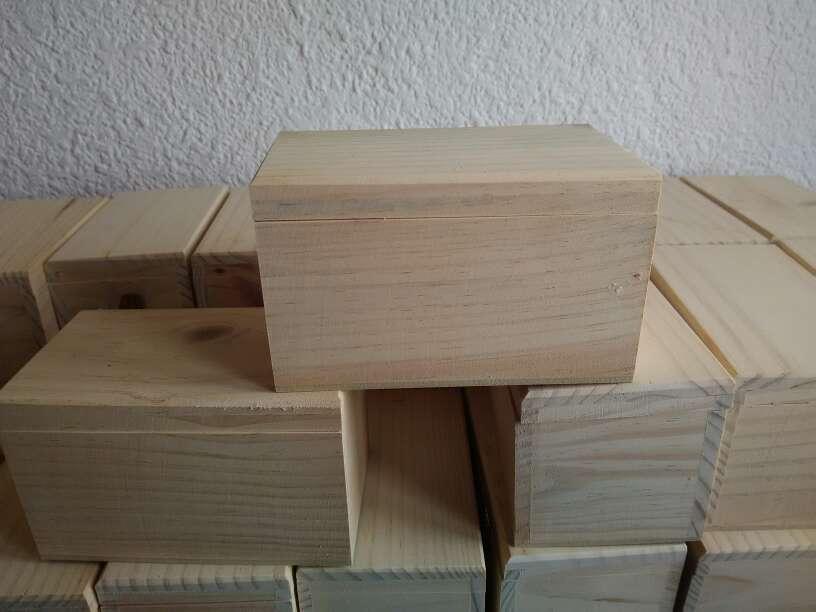 Imagen cajas de madera a 1,50€