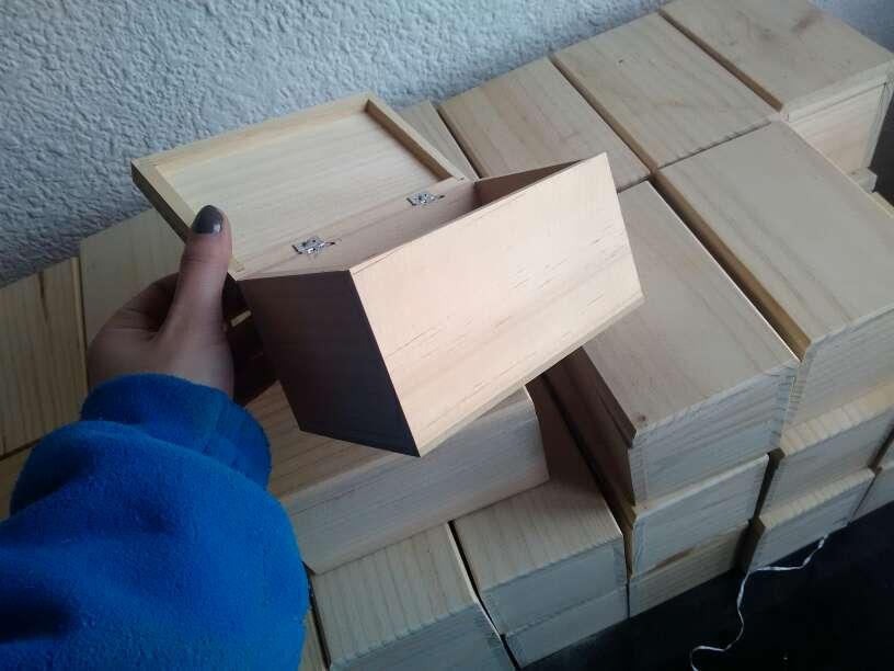 Imagen producto Cajas de madera a 1,50€ 2