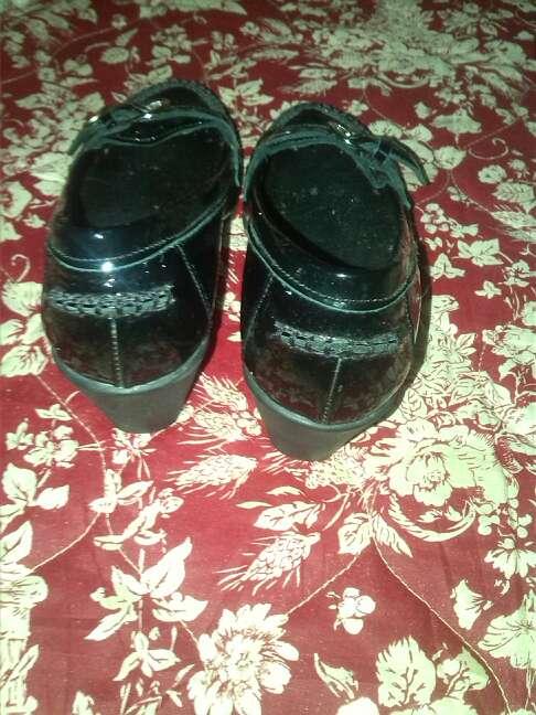 Imagen producto Zapato de mujer  de cuña N 37 en buenas condiciones 3