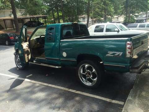 Imagen vendo esta troka Chevrolet cilverado año 1996 4x4 automática 3 puertas 226,000 millas en perfectas condiciones corre bien ningún problema