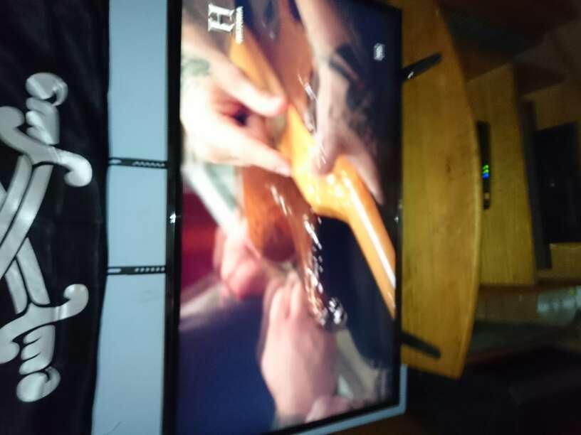 Imagen tv lg de 43 nueva tiqet y z3 también tiqet