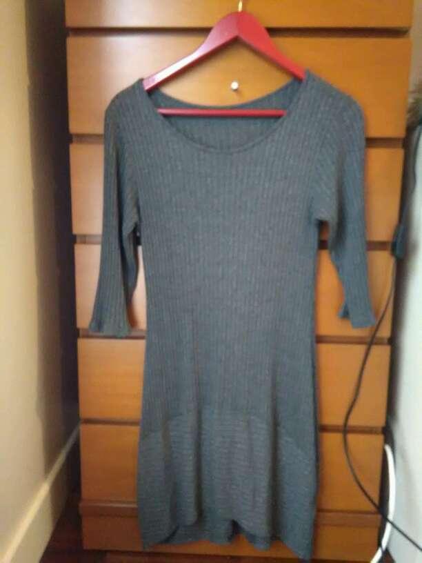 Imagen Vestido gris pegadito