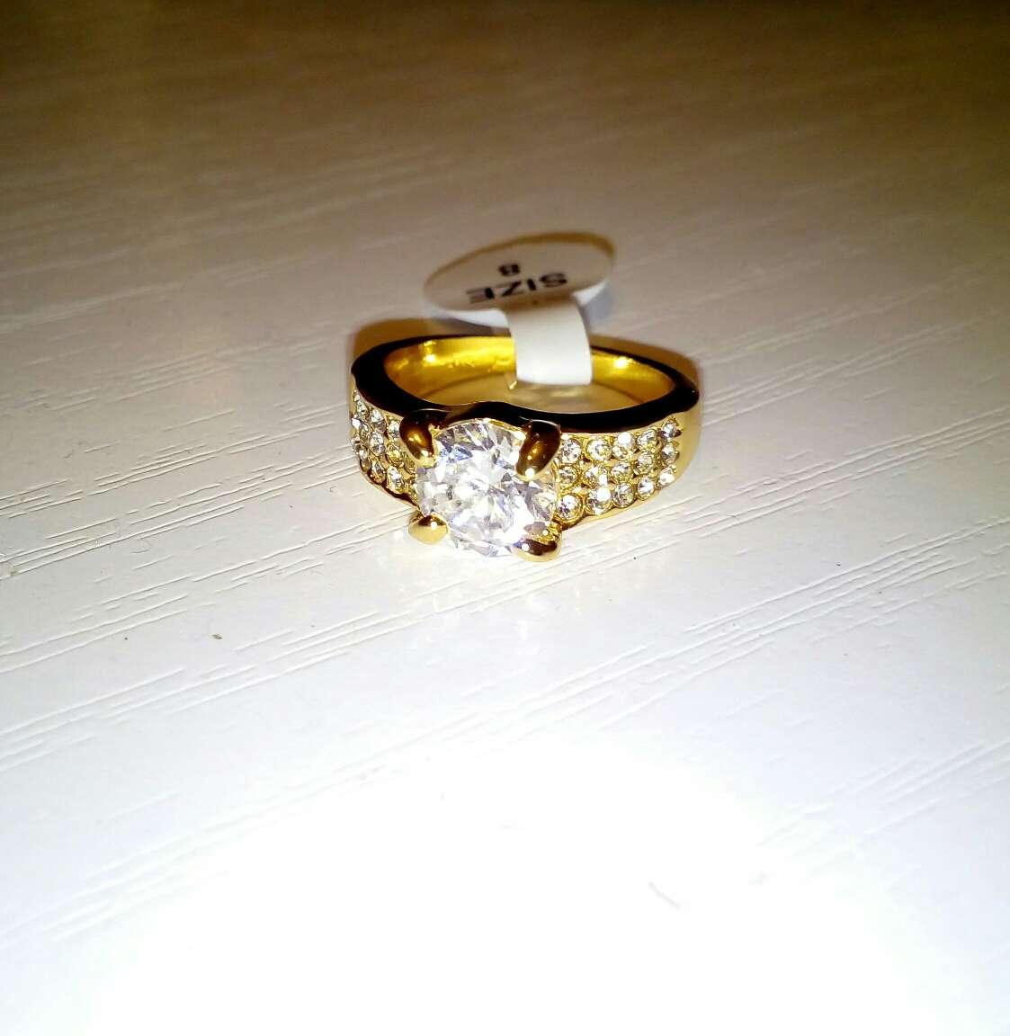 Imagen anillo de circonitas