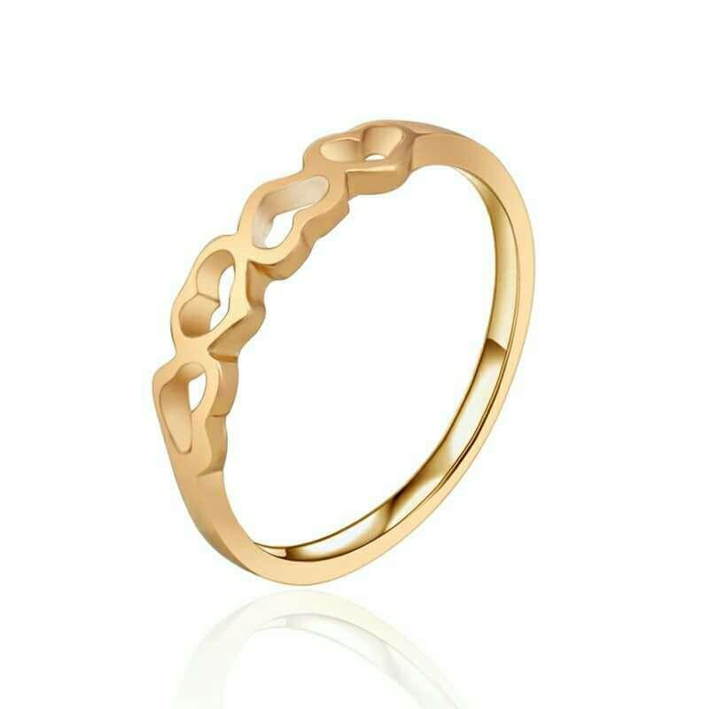 Imagen anillo de corazones