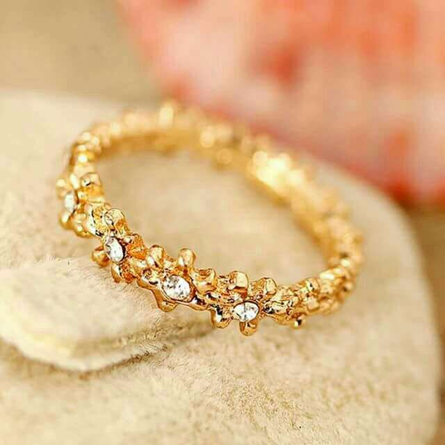 Imagen anillo de brillantitos