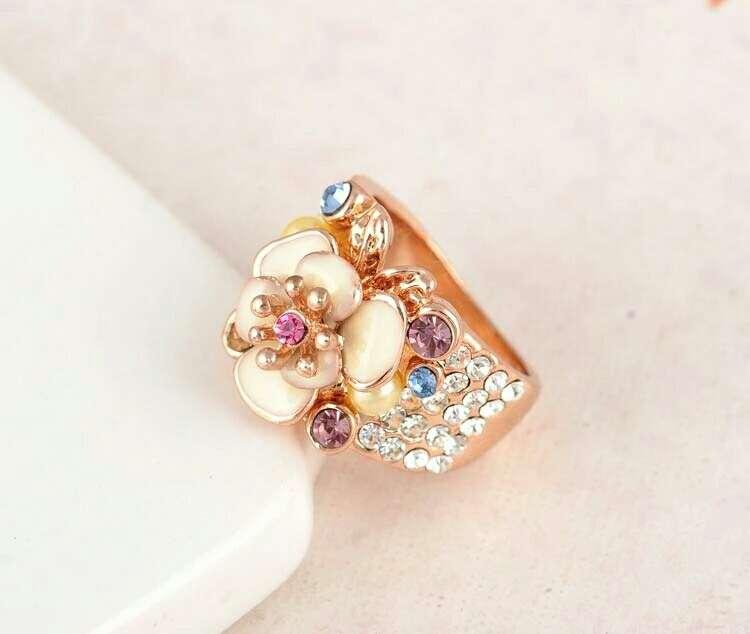 Imagen anillo flor