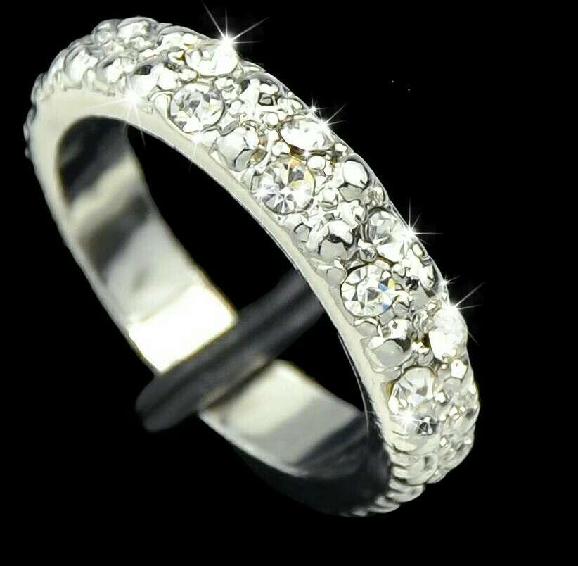 Imagen anillo brillante
