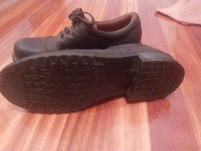 Imagen producto Zapatos de hombre, de piel 2