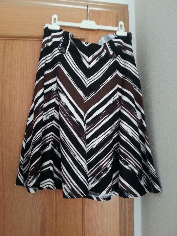 Imagen Falda rayas marrón y blanca