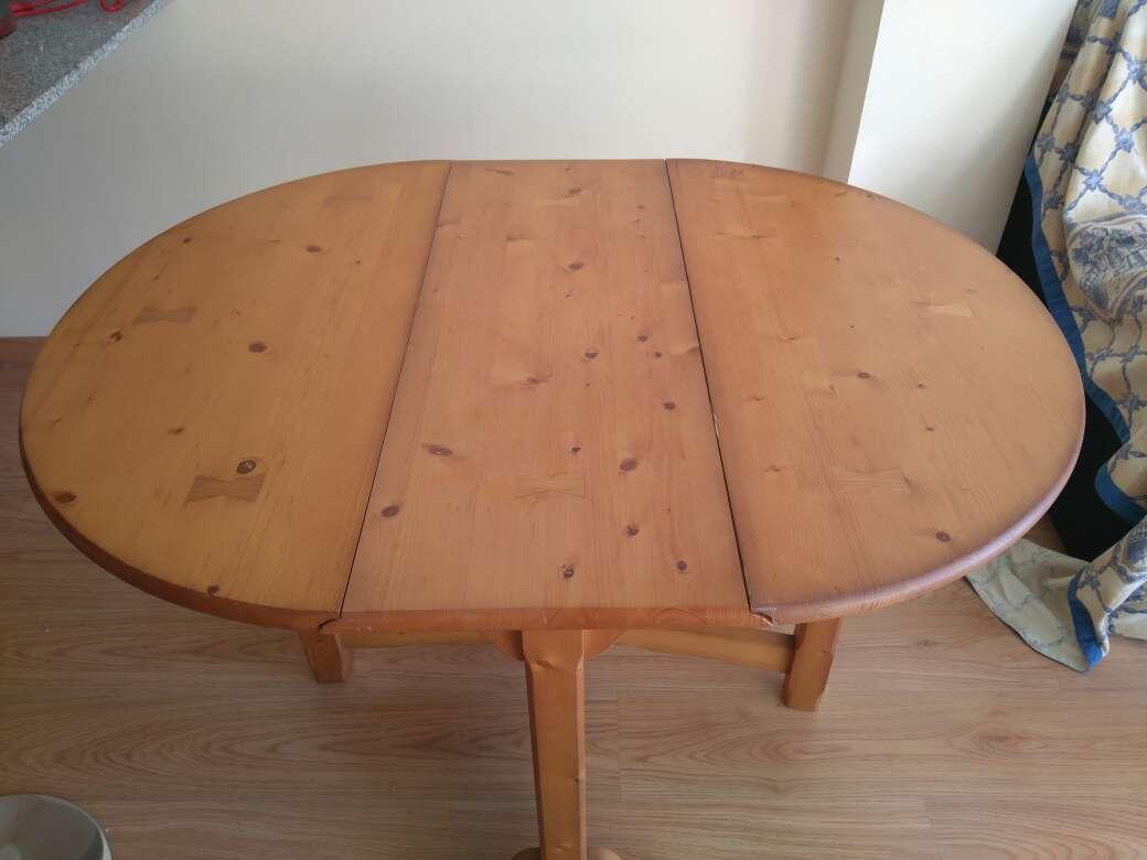 Imagen Mesa de madera maciza