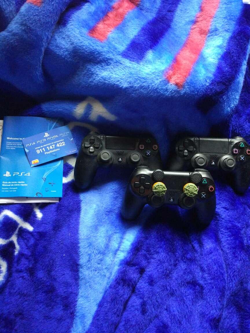 Imagen producto Vendo PS4 1Tb 2 mandos y +40 juegos 3