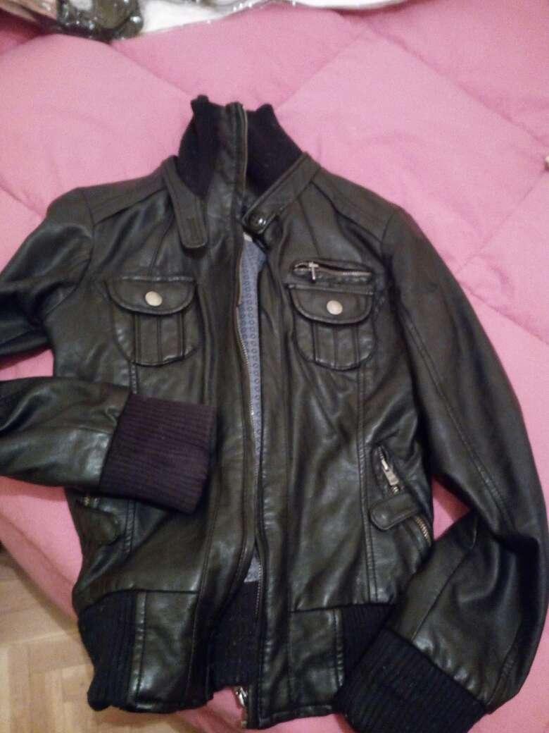 Imagen chaqueta de cuero negra