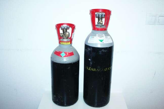 Imagen botellas de gas pata cerveza