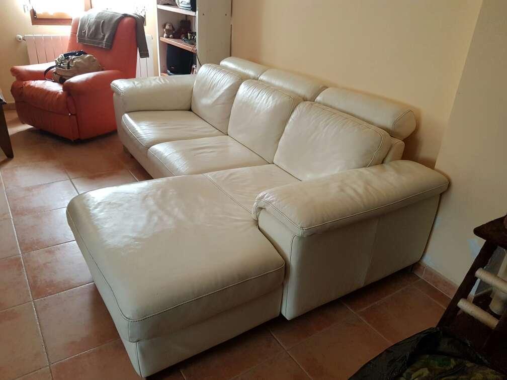 Imagen sofá chaiselongue. sofa cuero