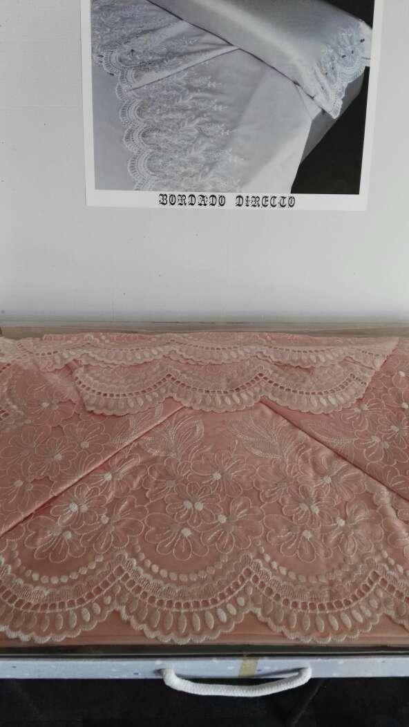 Imagen Juego sábanas bordadas de raso