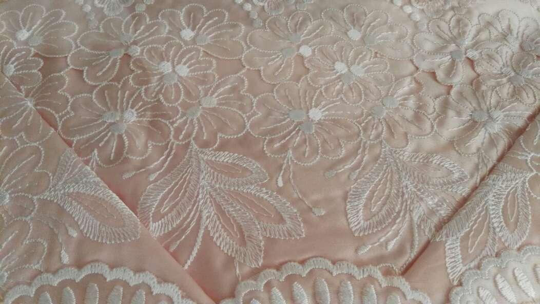 Imagen producto Juego sábanas bordadas de raso 2