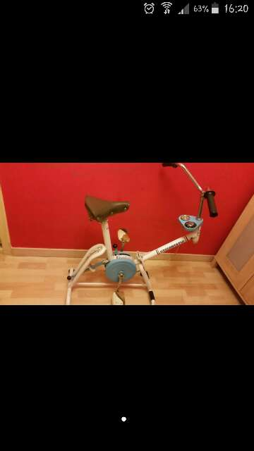 Imagen bicicleta estatica antigua