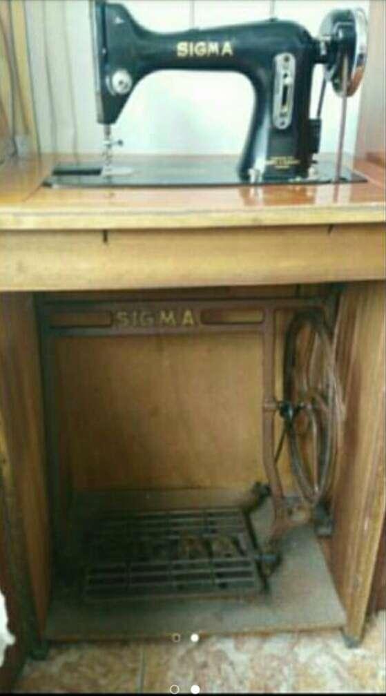 Imagen producto Maquina de coser antigua SIGMA 2