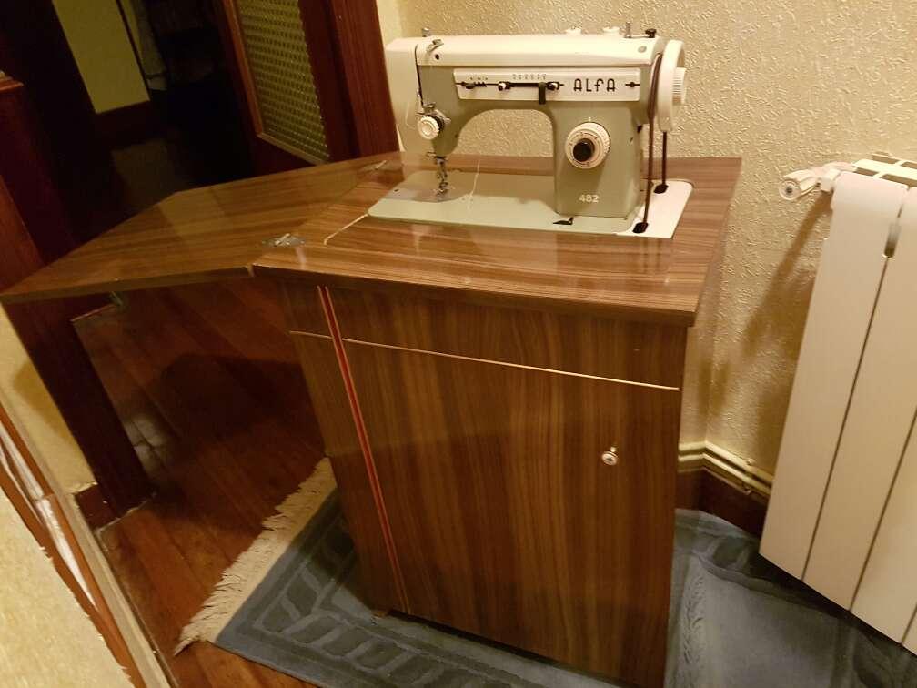 Imagen Maquina de coser *Alfa*