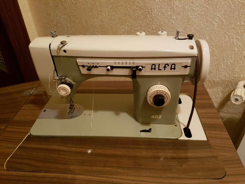 Imagen producto Maquina de coser *Alfa* 2