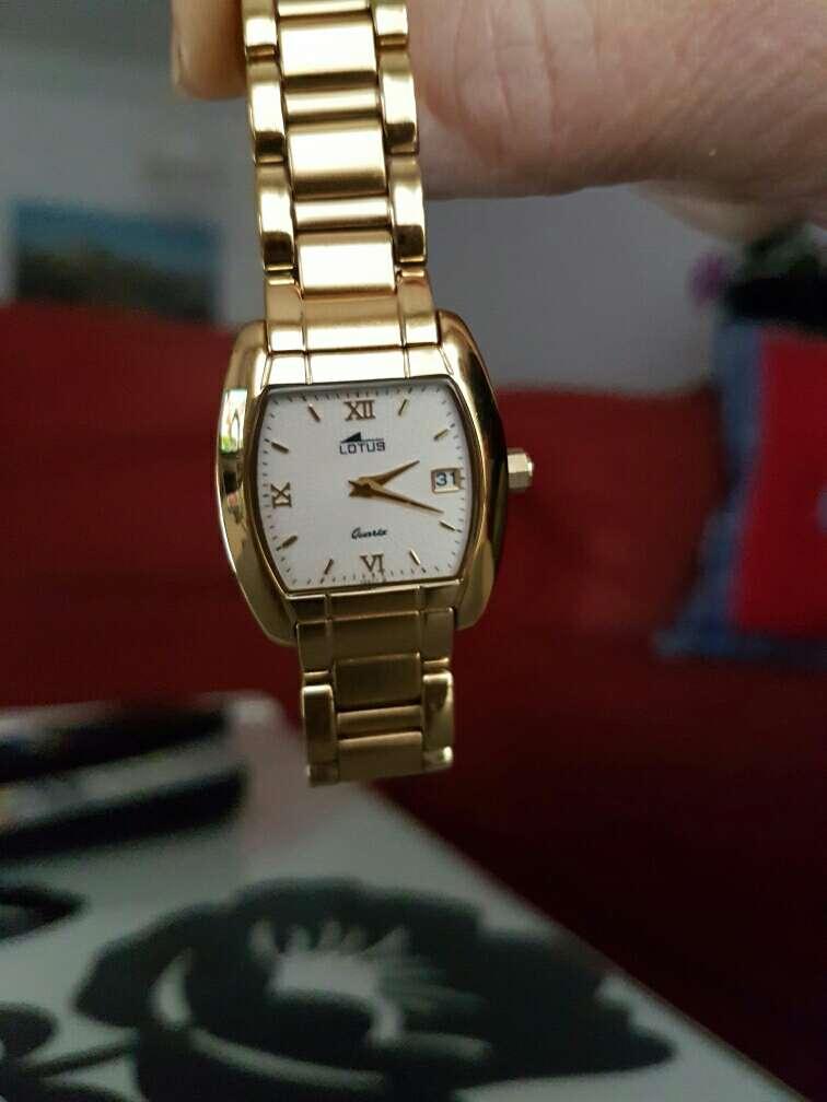 Imagen Reloj marca Lotus de mujer
