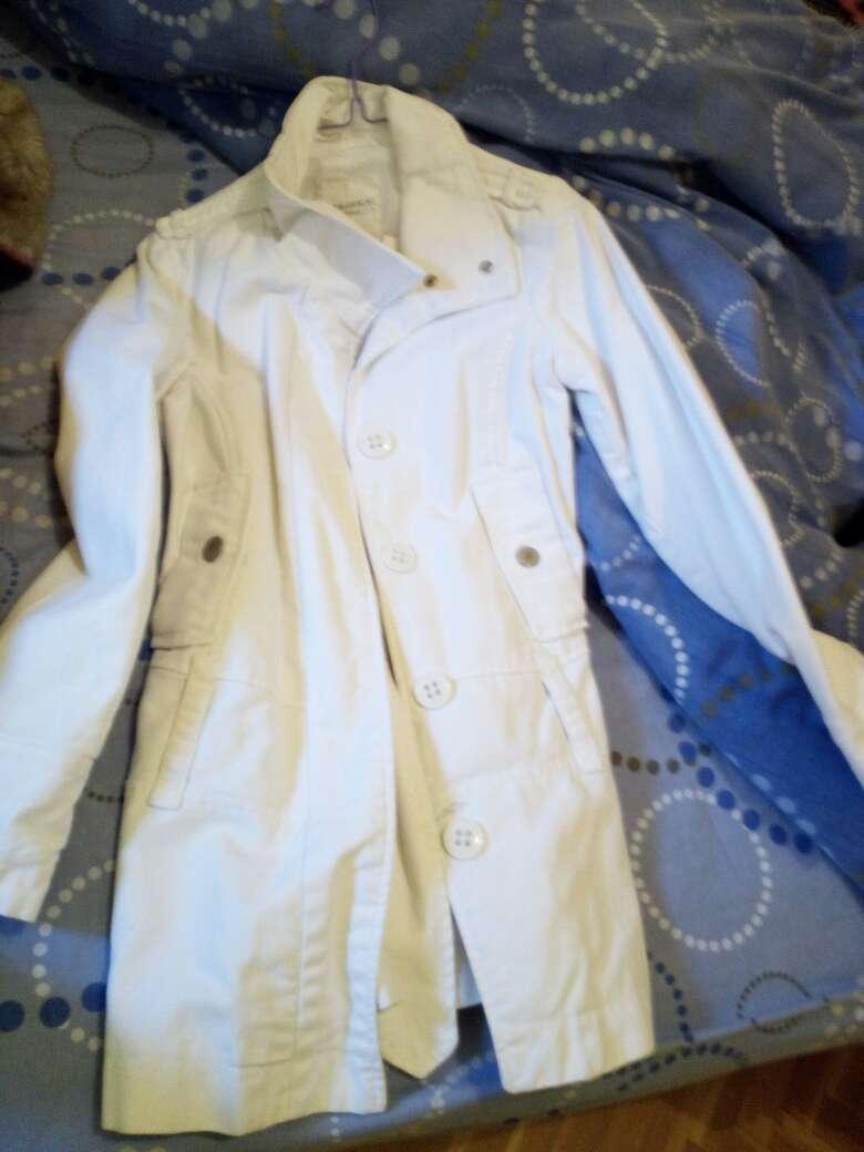 Imagen chaqueta blanca berska talla s