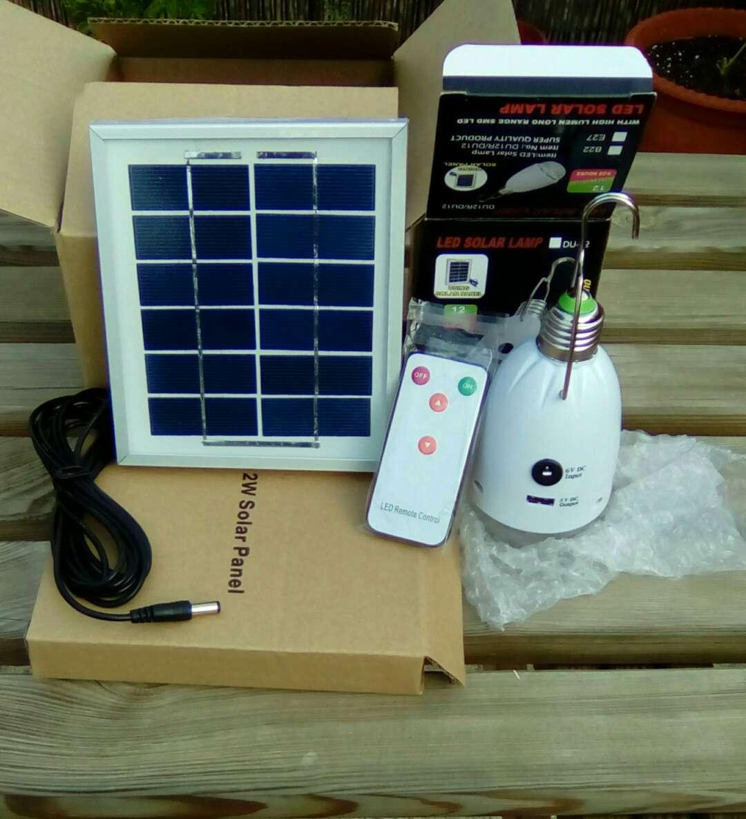 Imagen iluminacion solar panel solar+bombilla led 2000mah con mando