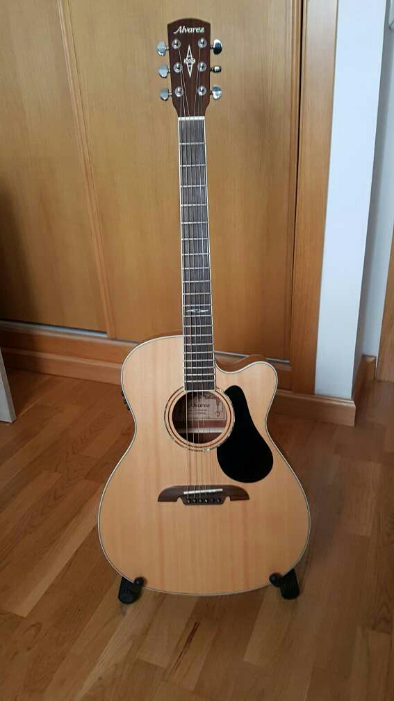 Imagen producto Guitarra Electroacústica Álvarez AF60 CE 1