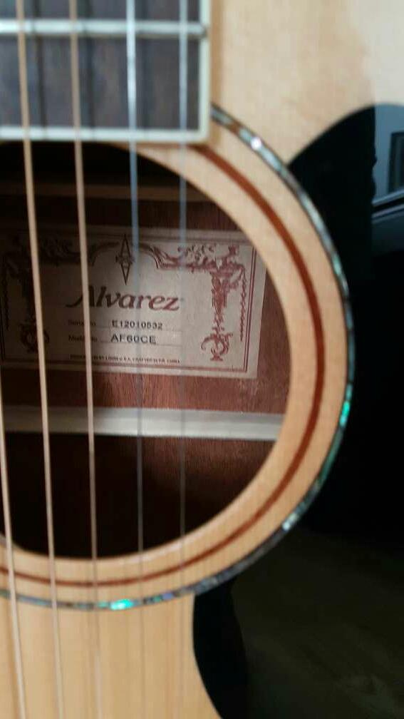 Imagen producto Guitarra Electroacústica Álvarez AF60 CE 3