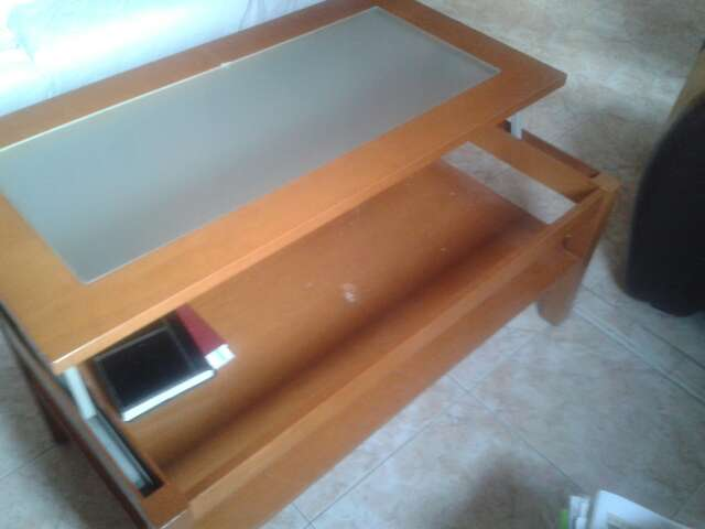 Imagen producto Cuatro sillas y  mesa elevable 1