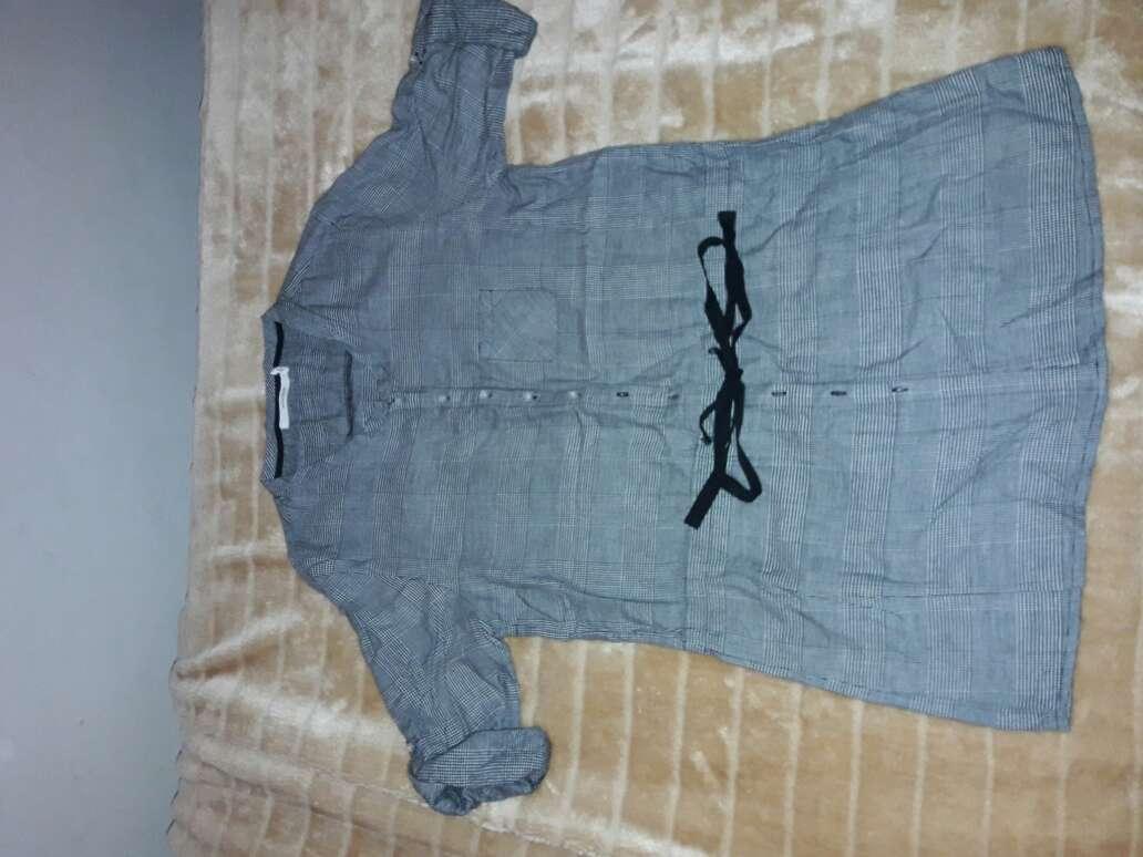 Imagen camisa color negra y blanca