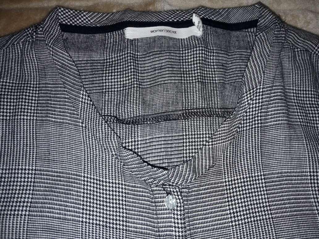 Imagen producto Camisa color negra y blanca  2