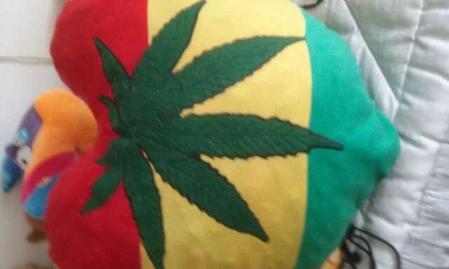 Imagen corazón marihuana