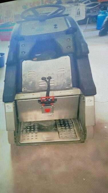 Imagen barredora fregadora Hefter Cleantech