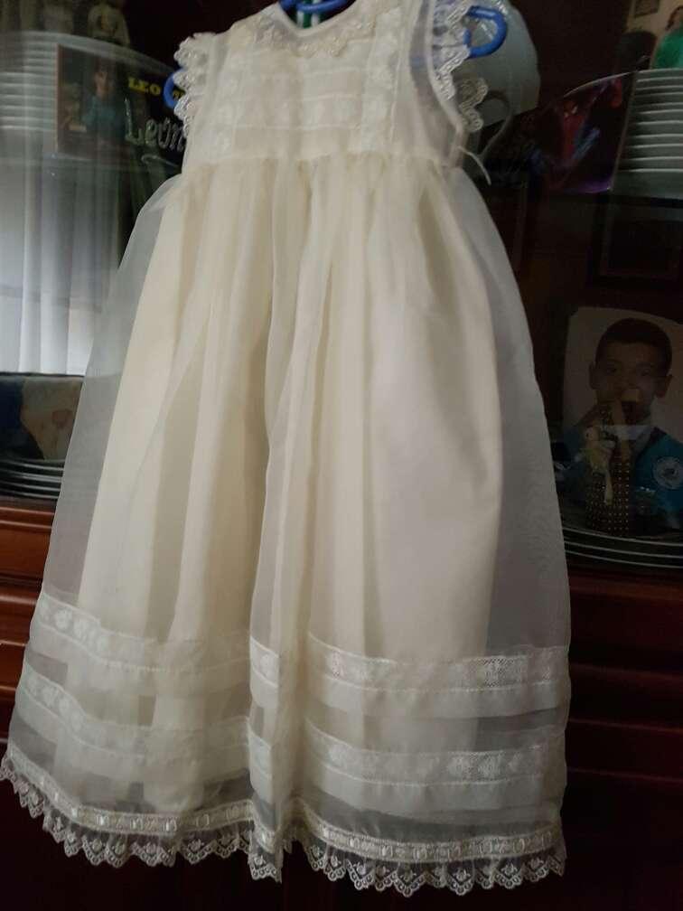 Imagen vestido recien nacido ceremonias