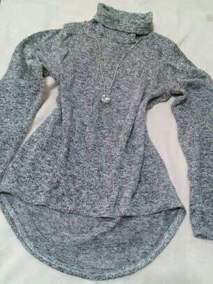 Imagen producto Camiseta con collar 2