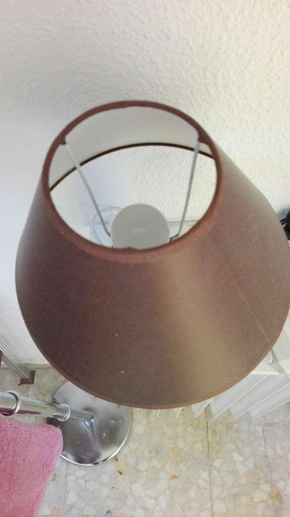 Imagen producto Lampara de mesilla 2