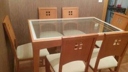 Imagen Conjunto de mesa y seis sillas de salón