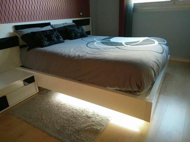 Imagen Somier en base tapizada de alta calidad en blanco lacado brillo