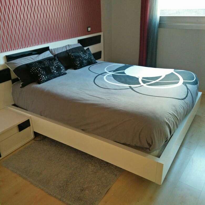 Imagen producto Somier en base tapizada de alta calidad en blanco lacado brillo 2