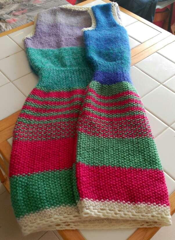 Imagen producto Vestido de lana echo a mano  3