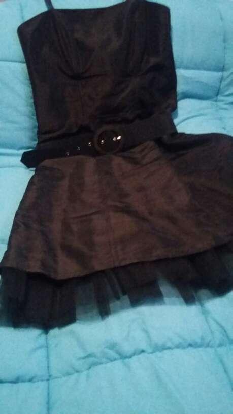 Imagen producto Vestidos fiesta y dos faldas 4
