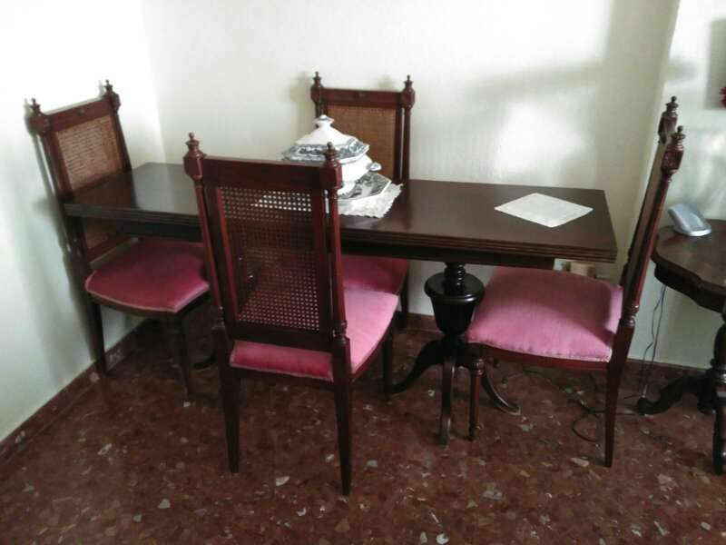 Imagen mesa salón desplegable + 4 sillas
