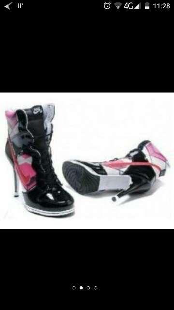 Imagen botas tacones Nike nuevas talla37